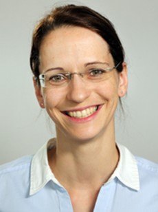 Dr. Stefanie John