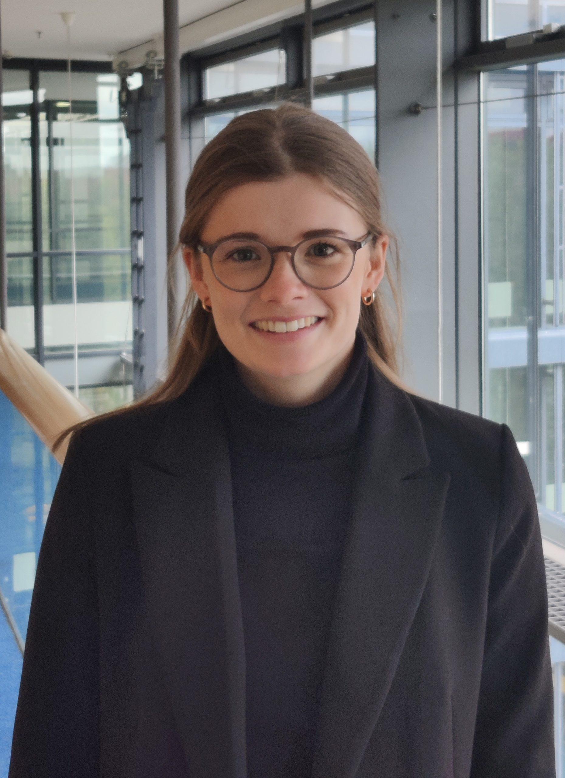 Lauren Mackintosh
